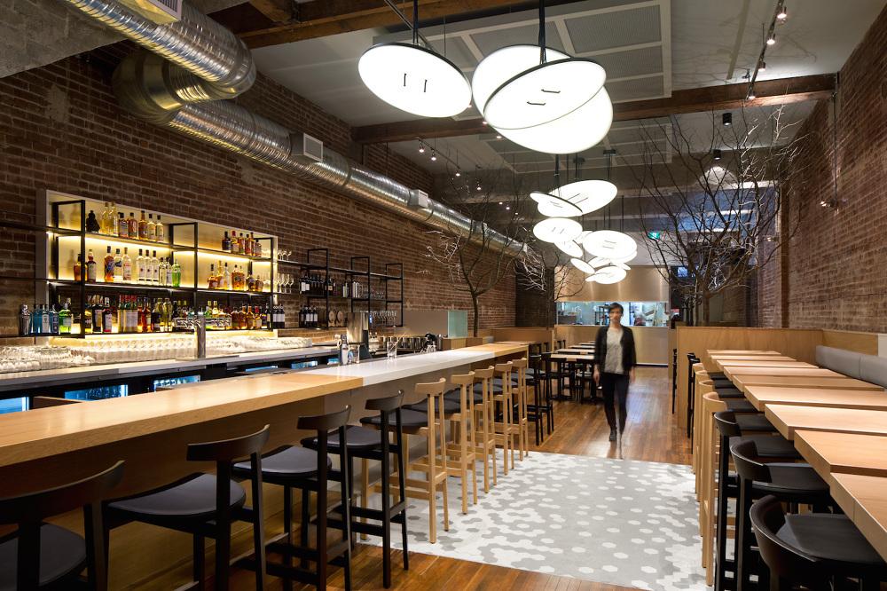 гигантские потолочные светильники для ресторана