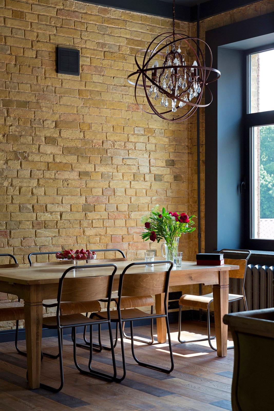 Дизайн столовой зоны в стиле лофт, фото
