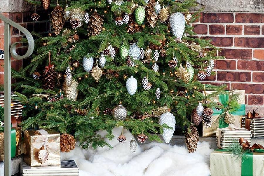 5 роскошных вариантов оформления новогодней елки, фото