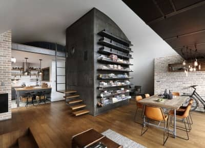 One bedroom apartment with loft