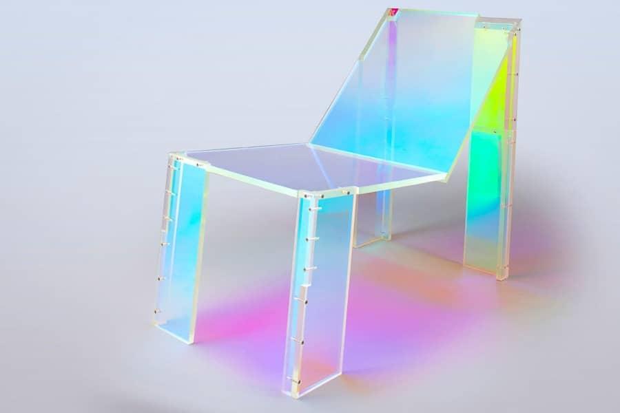 French Touch — неоновый стул-призрак, рожденный под музыку Daft Punk, фото