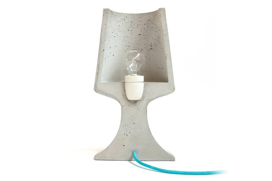 Настольный светильник в виде полумесяца от Троя Регенбринка, фото
