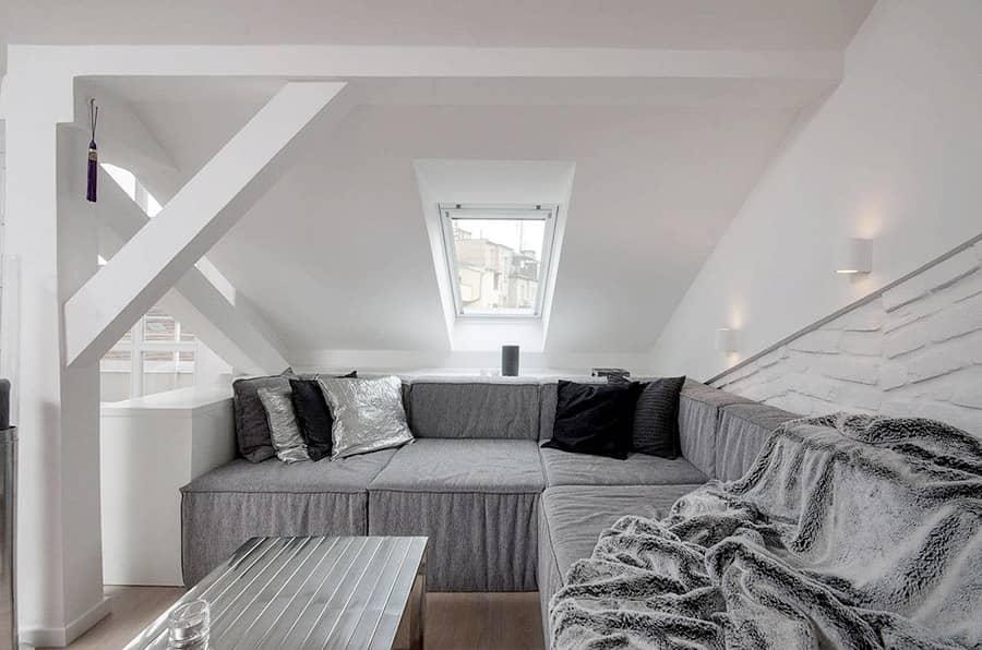 Серый цвет в интерьере на примере квартиры в стиле лофт, фото