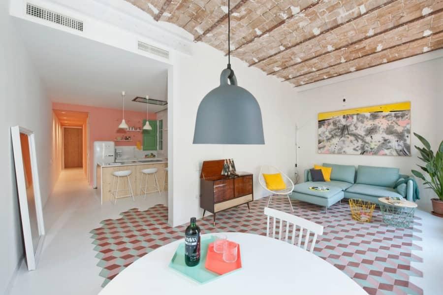 Свежий дизайн интерьера квартиры для отдыха в Барселоне, фото