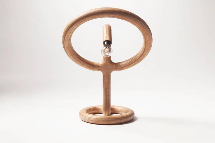 The Streamlined — оригинальная настольная лампа из фанеры, фото