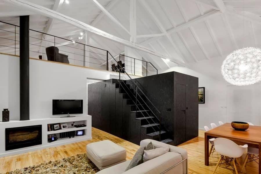 Уютный дом на месте старого сарая: реальный пример из Португалии, фото