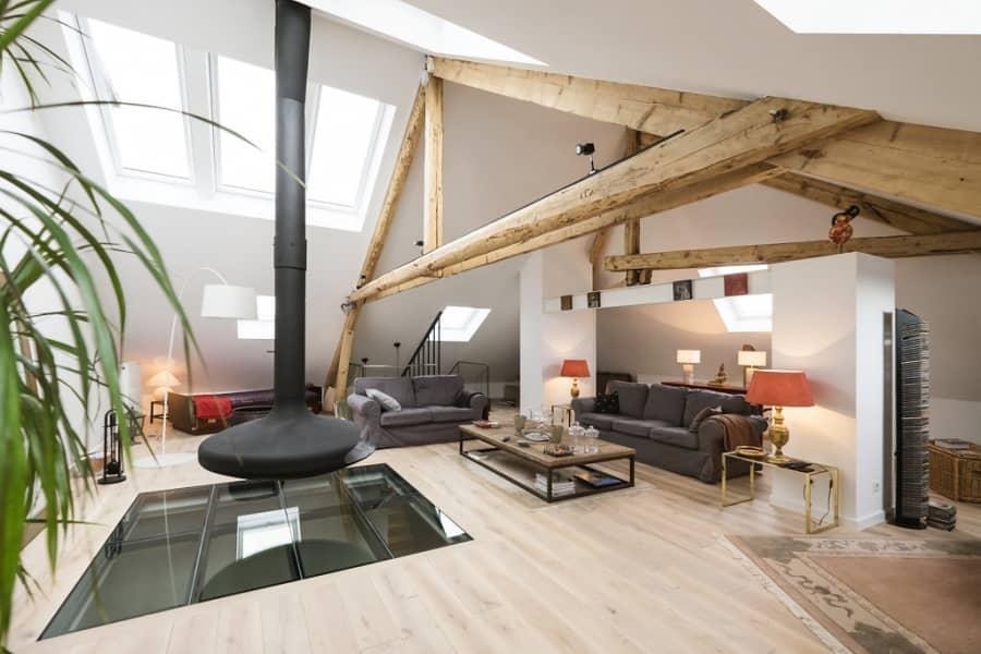 Дом с мансардой: сочетание современного и деревенского стиля, фото