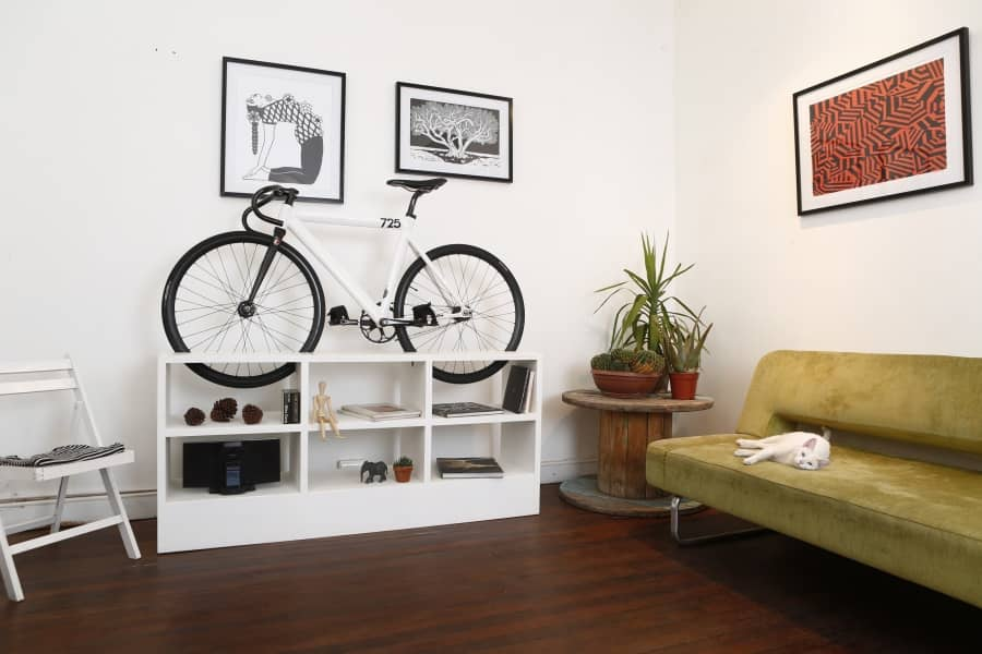 Как хранить велосипед в квартире: гениальная мебель от чилийского дизайнера, фото