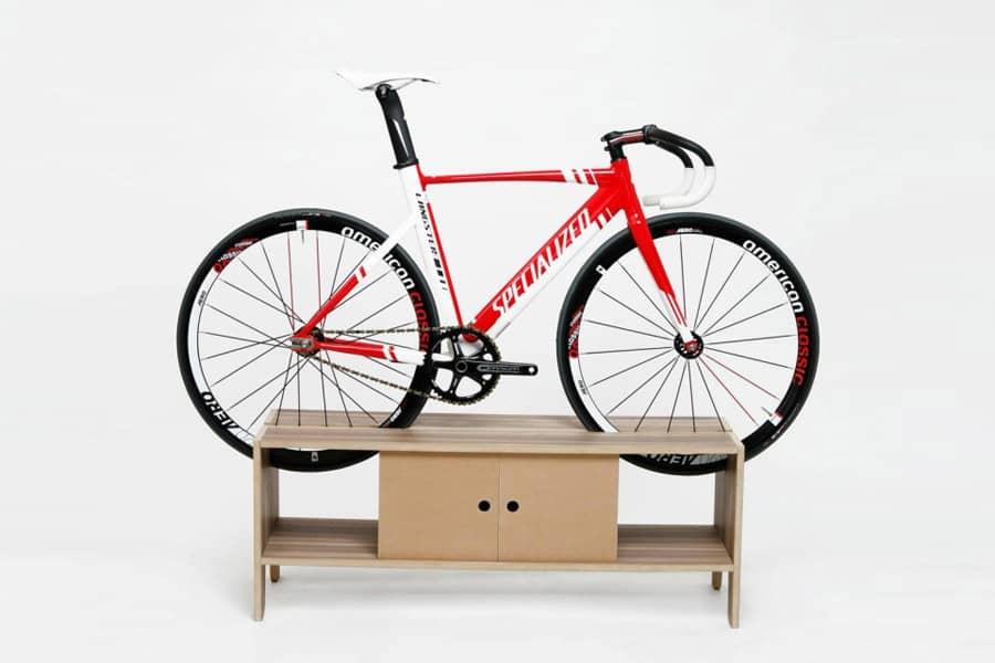 Меблева стійка для велосипеда: геніальне рішення для маленьких квартир, фото